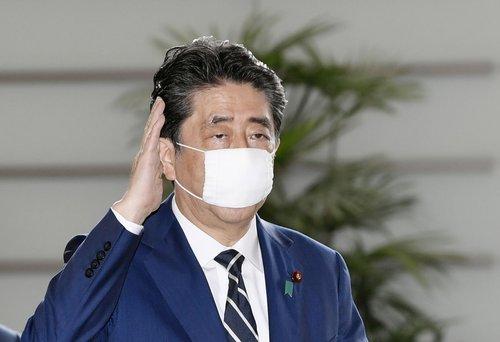일본, 비판 여론에 천 마스크 8천만장 일률 배포 포기