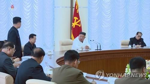 숨 고르는 북한…정세 관망하며 민생문제 해결에 총력