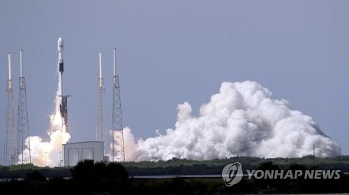 스페이스X, 미 우주군 소속 GPS 위성 쏘아 올려