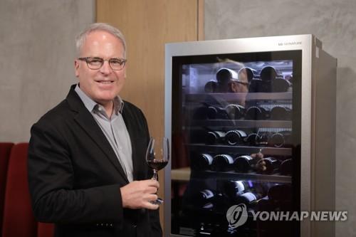 LG전자, 미국서 와인 평론가와 LG 시그니처 와인셀러 이벤트