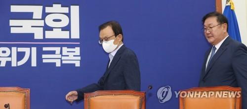 """민주, 日수출규제 1년에 """"땅치고 후회하게 만들자"""""""