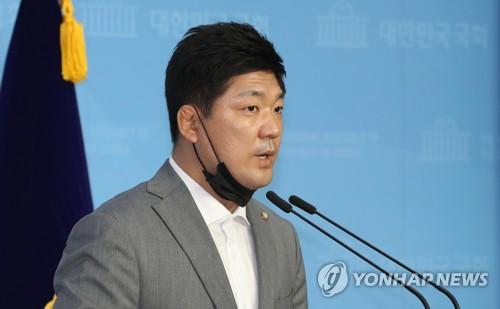 """'가혹행위'에 극단적 선택한 선수…이용 의원 """"철저히 수사하라""""(종합2보)"""