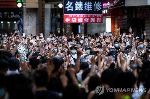 홍콩보안법 경찰 '무소불위'…영장없는 수색·콘텐츠 삭제 명령(종합)