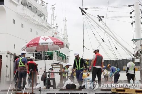 러 선원 집단확진 부산 감천항 동편부두 하역 정상화
