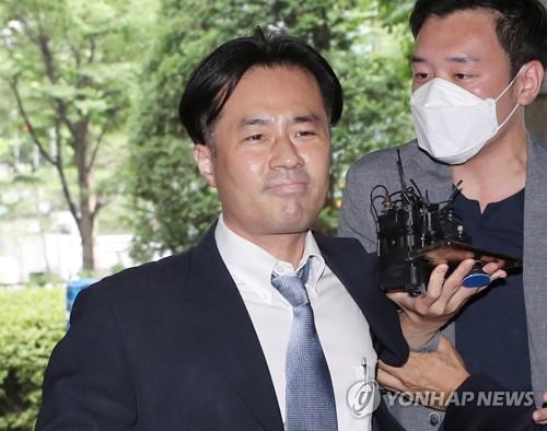 '손석희 공갈미수' 김웅 1심서 징역 6개월…법정구속