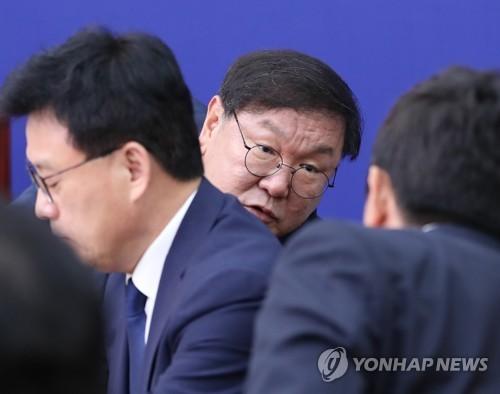 민주 '부동산사태' 불끄기 총력…노영민 거취론 분분