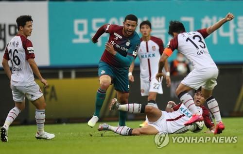 최용수의 서울, 황선홍의 대전에 승부차기 끝 승리…FA컵 8강행