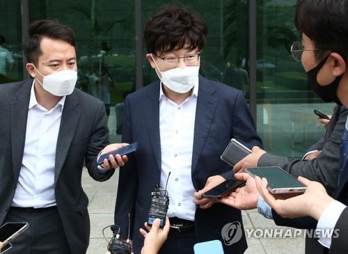 """이철 측 변호사 """"'검언유착' 몸통은 한동훈, 기자는 대리인"""""""