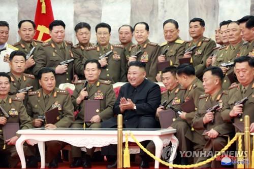 김정은, 다시 '핵억제력' 강조…안보·결속 다지며 미국엔 견제