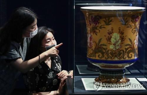 프랑스 대통령이 고종에게 선물한 도자기 첫 공개(종합)