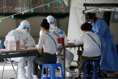 속보 수도권·대전·광주 코로나19 감염 지속