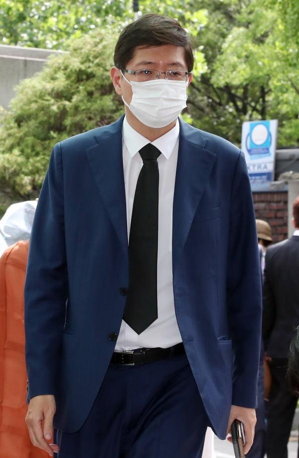 빈소 향하는 김홍걸 의원.사진=연합뉴스