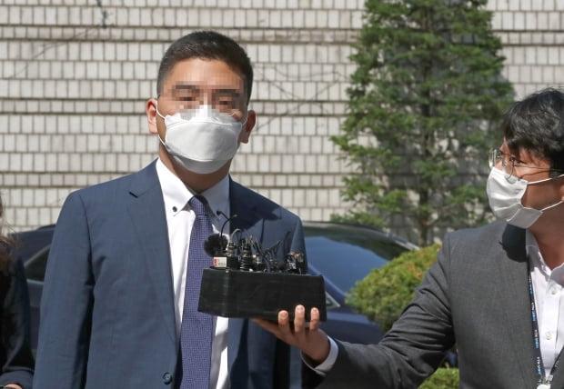 지난 17일 '검언유착 의혹'의 핵심 당사자인 전 채널A 기자가 서울중앙지법에 출석하고 있다. 사진=연합뉴스