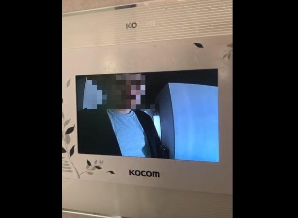 조국, 분 이기지 못하고… 女기자 얼굴 공개