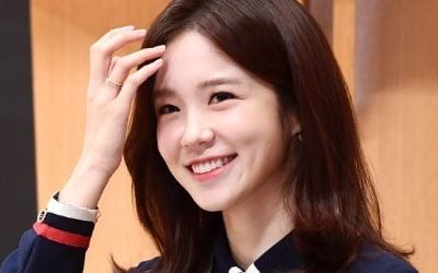 '장폭스' 장예원 아나, 잘 나가더니…