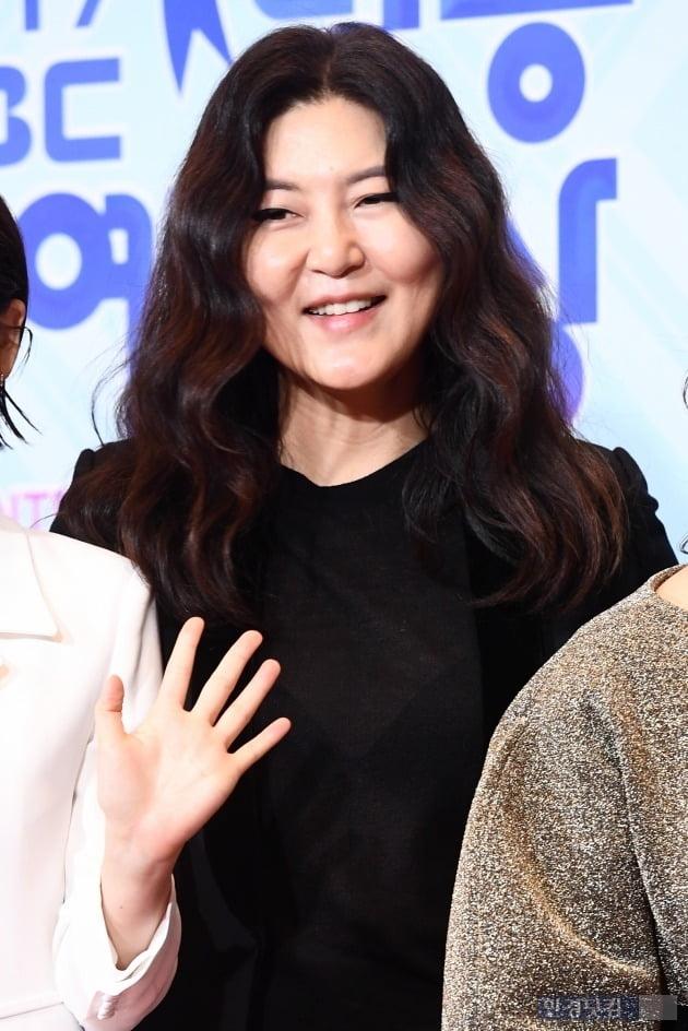 """한혜연·강민경 이어 문복희도 사과…소비자 """"내돈내산 아니었어?"""" 분노"""