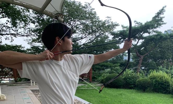 """""""활쏘기는 나 자신과의 싸움""""···'국궁'에 빠진 대학생들"""