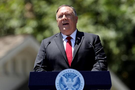 """마이크 폼페이오 미국 국무장관 """"틱톡·위챗 등 중국 앱 미국에서 사라져야"""""""
