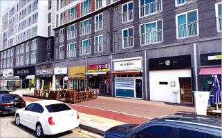 천안 불당동 카페거리 앞 1층 상가 3.3㎡당 598만원에 매각