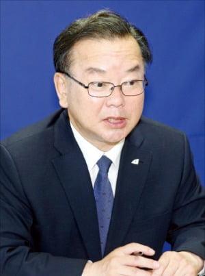 """김부겸 """"영남·민주당 사이 골 메워 대선 승리 이끌 것"""""""