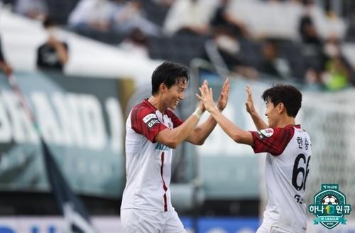 '윤주태 멀티골' 서울, 성남 2-1 제압하고 3연패 탈출