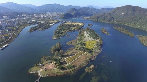 집중호우·소양강댐 방류로 물에 잠긴 가평 자라섬