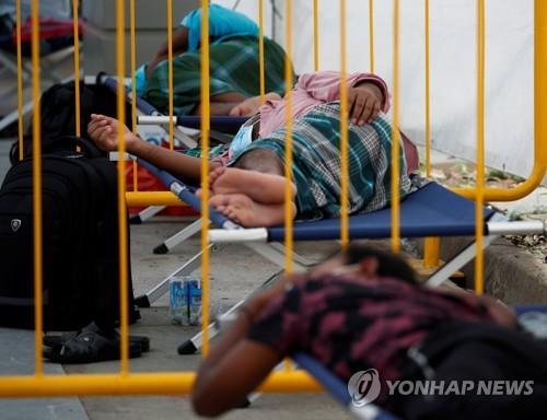 코로나로 격리 4개월…싱가포르 이주노동자 정신 건강 '빨간불'