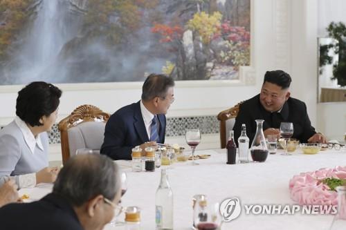 북한 '음식외교' 중심 옥류관 60주년…남북 사로잡은 냉면 맛