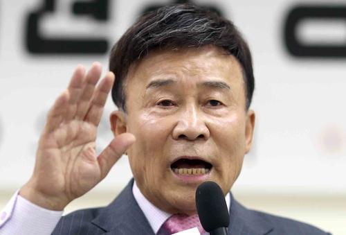 """김원웅 """"우리나라 보수는 가짜…친일 청산 요구해야 진짜"""""""