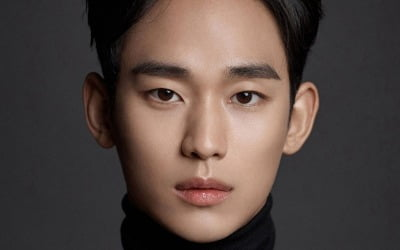[입덕 사전] 김수현, 어느 별에서 왔니?