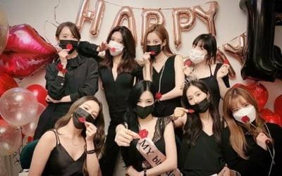 벌써 데뷔 13주년 <br>소녀시대는 영원히 소녀시대