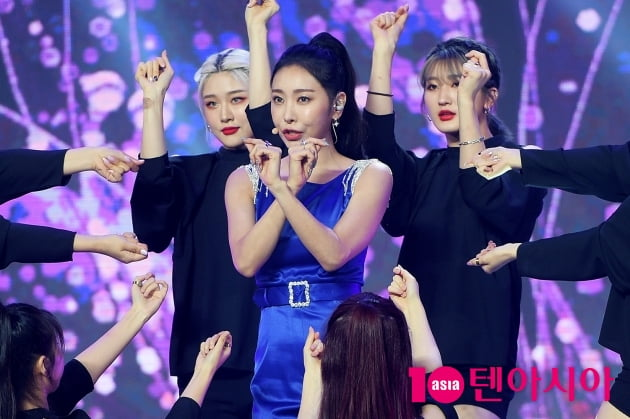 [TEN 포토] 허찬미 '화려한 퍼포먼스'