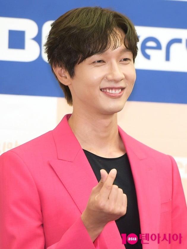 [TEN 포토] 지현우 '소년미와 어른미가 공존하는 매력'