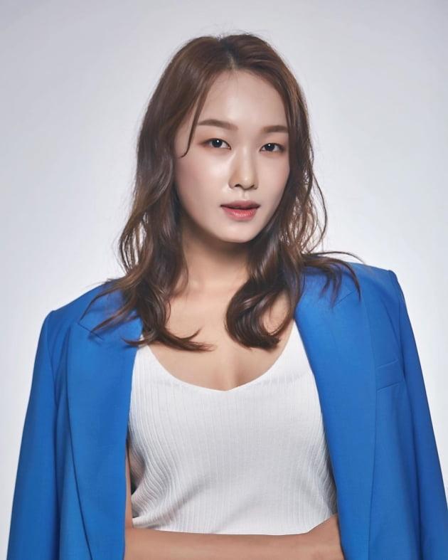 배우 심영은.