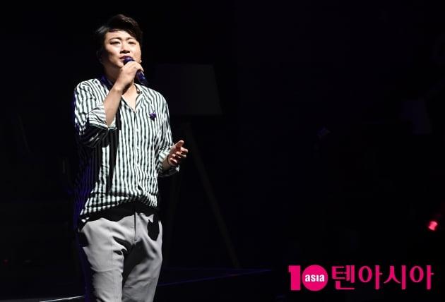 [TEN 포토] 미스터트롯 김호중 '바라던 팬미팅 순간순간 열심히'