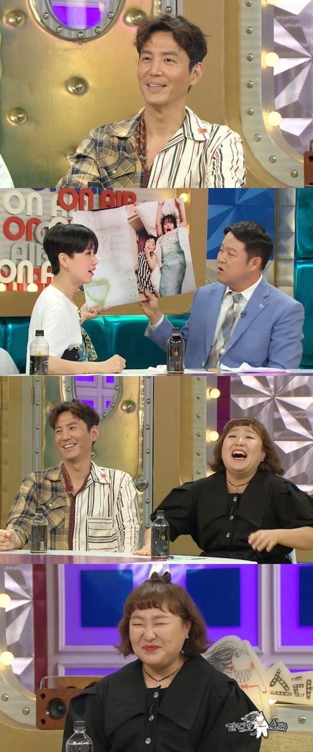 최원영이 '라디오스타'에서 아내 심이영과 다작 부부로 활동하는 비결을 털어놓는다. / 사진제공=MBC