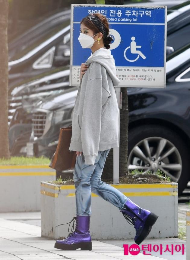 [TEN 포토] 있지 리아 '추워요'