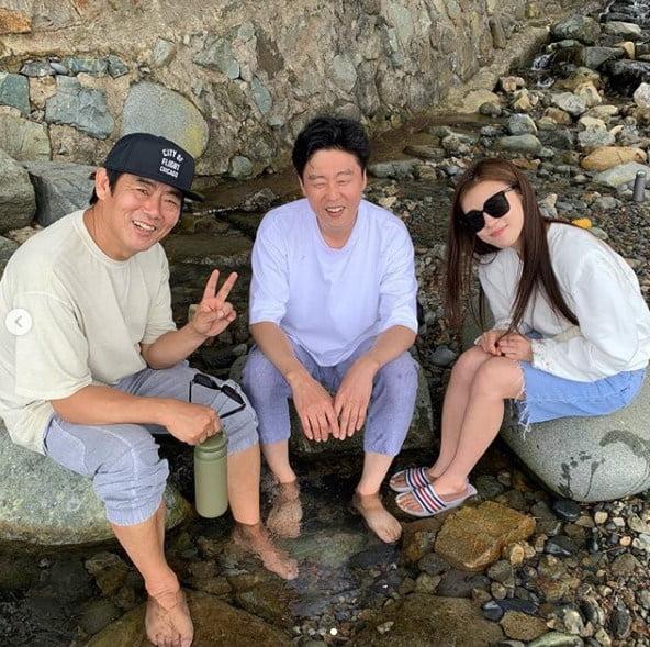 성동일 김희원 하지원  / 사진 = 여진구 인스타그램