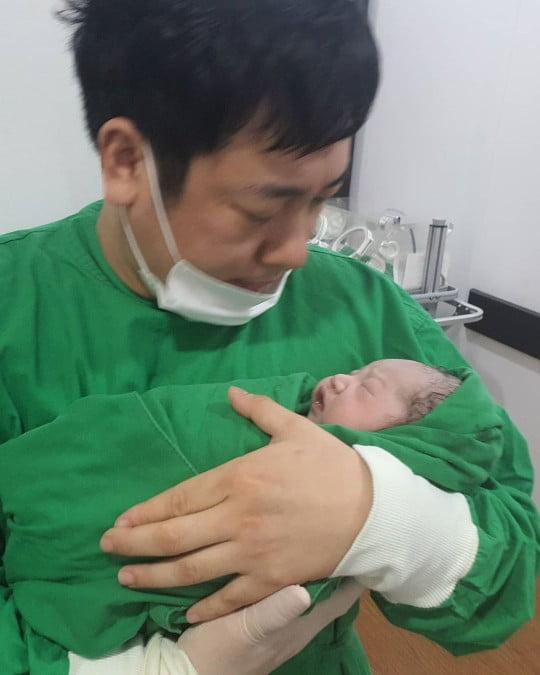 김진, 지난 19일 득녀 /사진=SNS