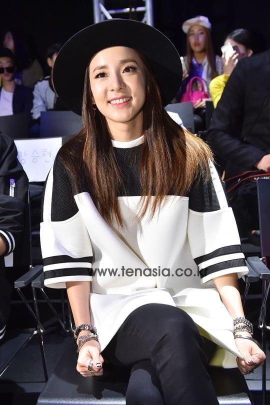 [스타탐구생활] '최강동안' 산다라박, '귀여운 동생 이호철과 특별한 만남' (TEN컷)