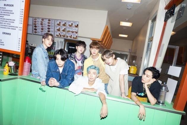 방탄소년단 'Dynamite' 티저 포토./사진제공=빅히트 엔터테인먼트