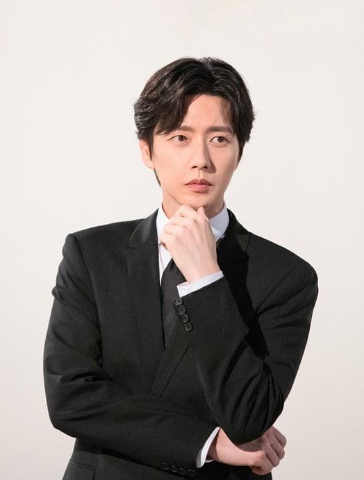 박해진, 성우 뺨치는 목소리 '호모 언택트' 내레이션서도 발휘한다