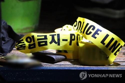 여행 가방 속 시신 사건…친구 살해 20대 2명 구속 영장