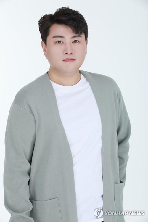 """김호중, 전 여자친구 폭행 의혹도…소속사 """"허위사실 법적대응"""""""