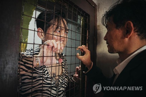 [주말극장가] '오케이 마담' 2위로 출발…'다만악' 300만 돌파 임박