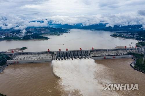 중국 창장 5호 홍수 싼샤댐 무사 통과…일부지역 큰비 계속