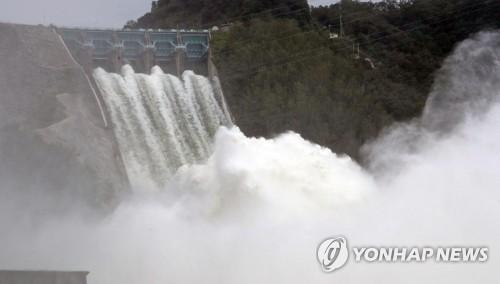 소양강댐 방류로 한강 수위 1∼2m 증가…16시간 뒤 서울 도달