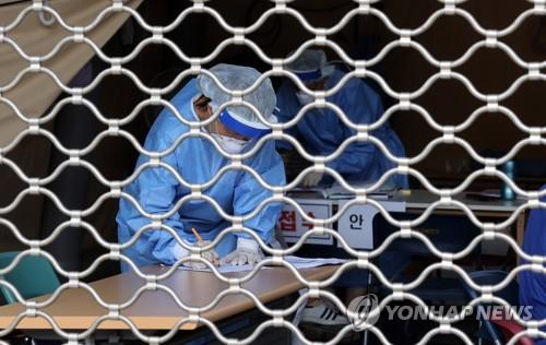 """커피점-캠핑장 감염 연결고리 확인…""""캠핑 확진자, 커피점 방문""""(종합)"""