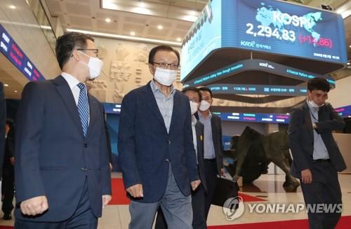 """與 '뉴딜펀드' 띄우기…""""국채수익율+α 보장"""""""