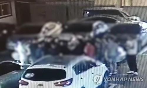 """""""전례 없는 수준""""…역대급 검거한 고려인 '37 vs 26 난투극'"""
